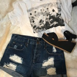 Highrise Distressed Jean Shorts | NEW